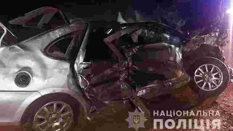 Внаслідок перекидання авто на трасі Рівне-Луцьк госпіталізували трьох чоловіків