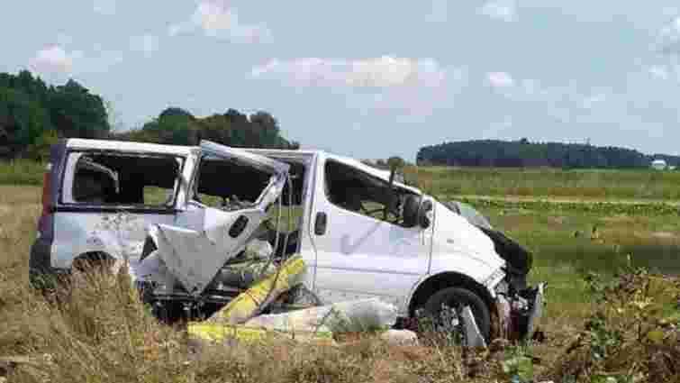 На трасі біля Лопатина розбився мікроавтобус, троє постраждалих