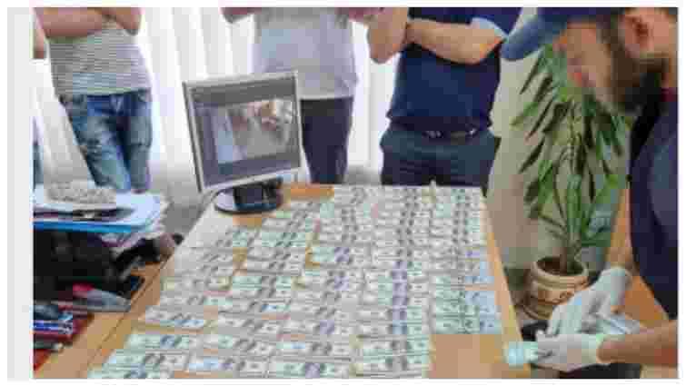Начальника Держпродспоживслужби у Запорізькій області затримали за хабар від підлеглого