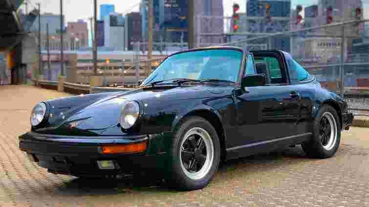 Porsche 911 Тома Круза продають з аукціону