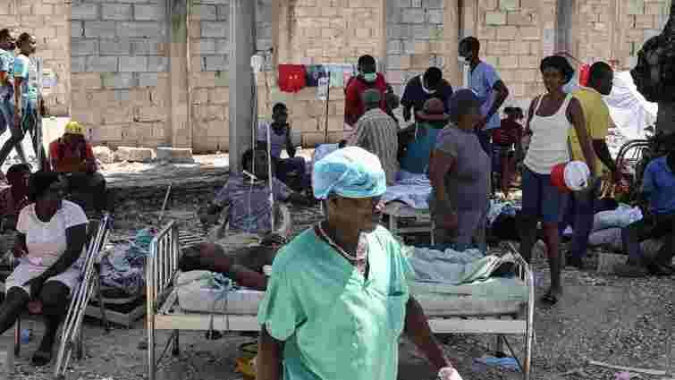 Від руйнівного землетрусу на Гаїті загинули вже 1297 людей