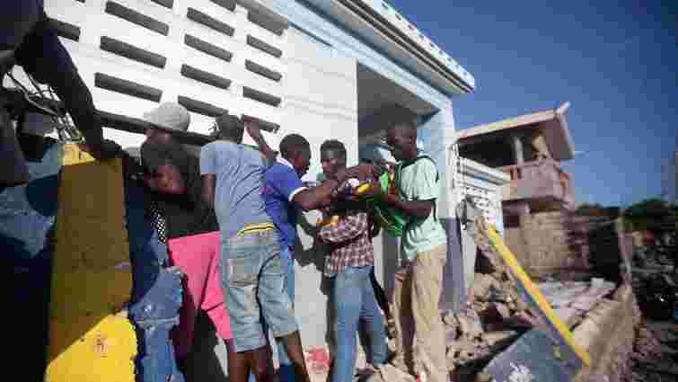 Кількість загиблих через руйнівний землетрус на Гаїті наближається до 2200