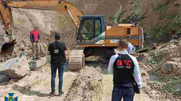 СБУ викрила на Рівненщині схему нелегального видобутку базальту на 70 млн грн