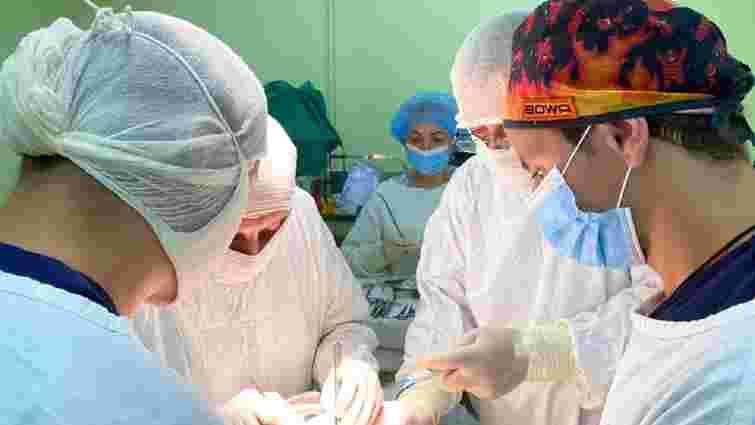Львівські урологи зшили 14-річному підлітку розірвану нирку