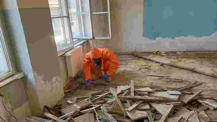 Під час ремонту у львівській школі під підлогою виявили ртуть