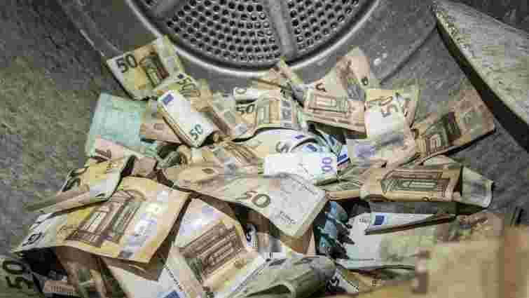 Центробанк Німеччини відмиє забруднені під час повені 50 млн євро