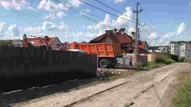 Мешканці Зубри через суд скасували будівництво багатоквартирного будинку у селі
