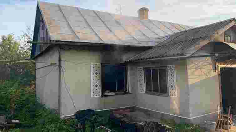 На Золочівщині під час пожежі у приватному будинку загинули двоє людей