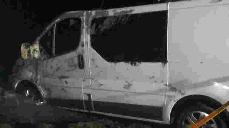 На Харківщині мікроавтобус з людьми злетів в озеро, двоє загиблих