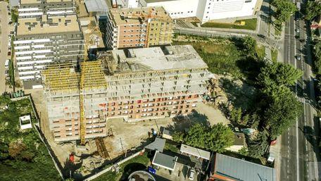 Депутати погодили будівництво житлового комплексу зі школою на Топольній