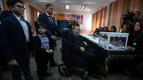 Помер екс-президент Алжиру, який пішов у відставку після 20 років правління