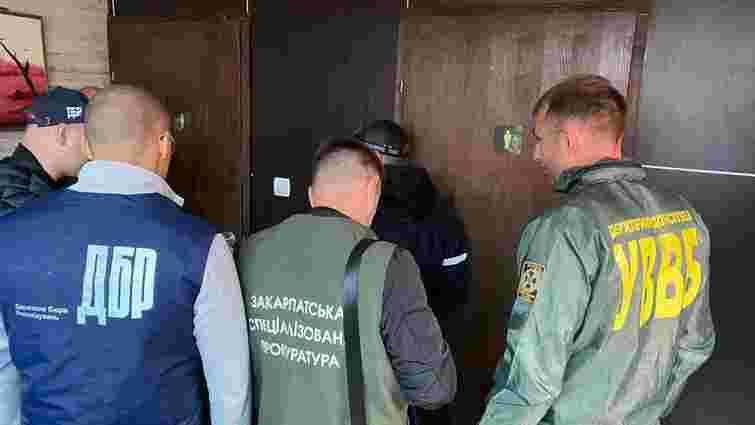 Закарпатського прикордонника затримали на хабарі у 18 тис. доларів -  ZAXID.NET