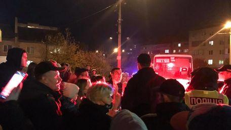 У Тернополі люди стали на захист водія, якого оштрафували за стоячих пасажирів