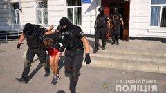 Зловмисник на Луганщині погрожував підірвати школу з вимогою переписати історію України