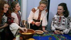 У Львівському театрі ляльок відбулися Андріївські вечорниці