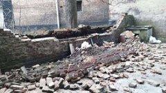 В подвір'ї житлового будинку у Львові обвалилась підпірна стіна