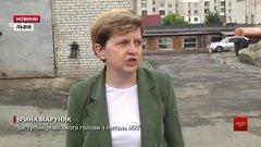 У Львові чистять та ремонтують дощоприймачі