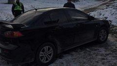 У селі на Львівщині знайшли вкрадене з сусідньої області авто