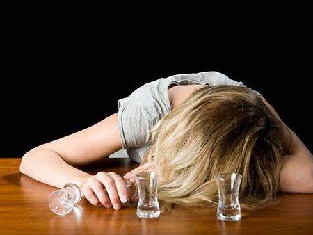 В Україні офіційно близько 100 тис. алкоголіків