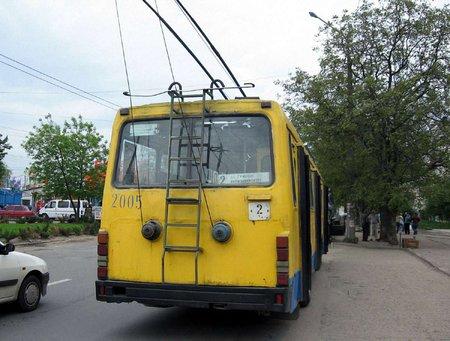 ЛАЗ винен Тернополю два тролейбуси