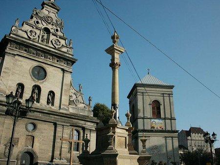 Реставрація колони Яна з Дуклі у Львові завершиться на вихідних
