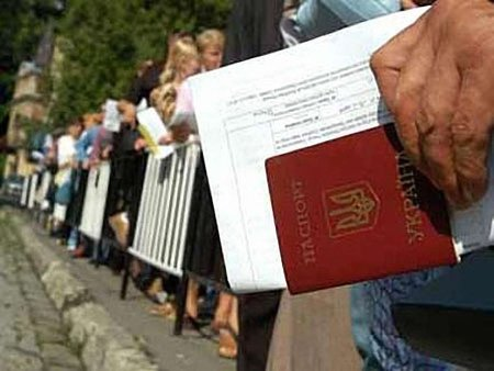 Польща впроваджує закупівельні візи для мешканців Західної України