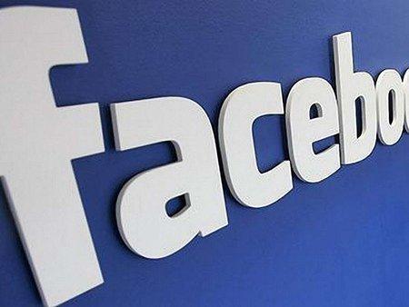 На кожному користувачеві Facebook заробляє 4 долари на рік