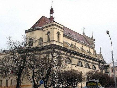У Львові підсвітять церкву Петра і Павла