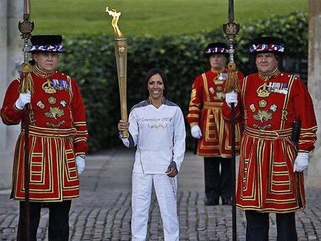 Олімпійський вогонь прибув до Лондона