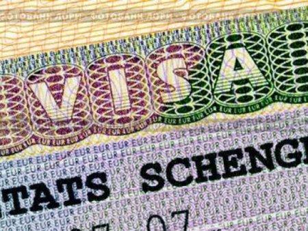 Хорватія продовжила безвізовий в'їзд для власників «шенгенки»