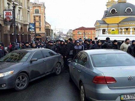 Автомайдан визначив безпечні для паркування у Києві місця
