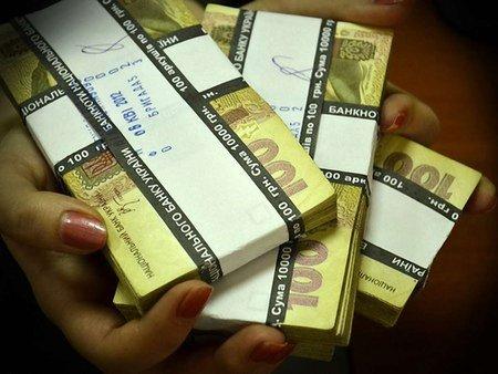Долар на міжбанку зріс до 8,7 грн