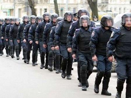 МВС заявляє про спробу підкупу військовослужбовців ВВ