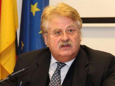 Фінансово допомогти Україні ЄС має в обмін на позачергові вибори, – Брок