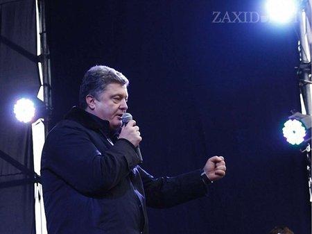 49 протестувальників досі під арештом, – Порошенко