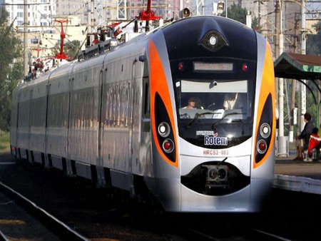 «Укрзалізниця» припинила експлуатацію швидкісних потягів Hyundai