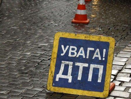 На виїзді зі Львова сталася ДТП: постраждало двоє людей
