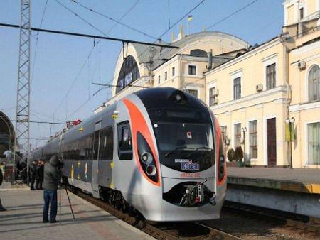 Відновити експлуатацію потягів Hyundai можуть до кінця лютого