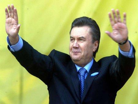 Янукович хоче помиритися з народом у день народження Шевченка