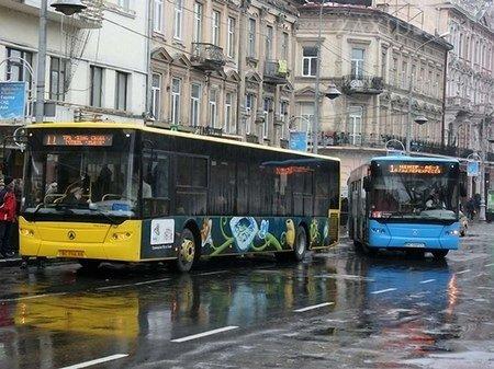 Для центру Львова розроблять нову схему руху транспорту