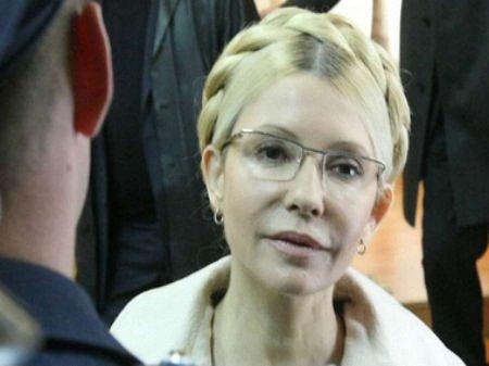Тимошенко готова дати гарантії безпеки Януковичу після його відставки