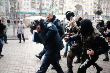 В МВС заявили про напад на міліціонерів під КМДА