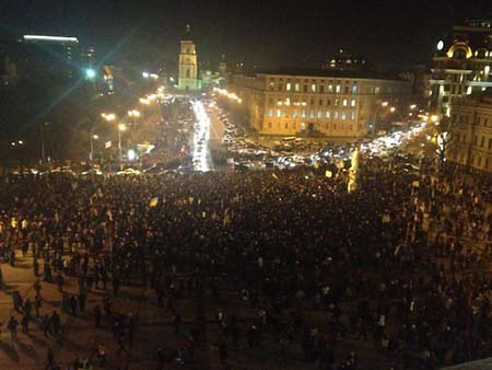 Майбутнє України вирішується на вулицях, – МЗС Литви