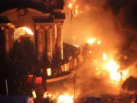 «Беркут» захопив частину Майдану