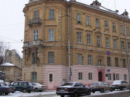 У Львові захопили міське управління міліції