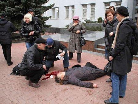 У Хмельницькому під час штурму СБУ застрелили жінку