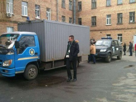 У Києві з лікарні міліція вивозить поранених активістів