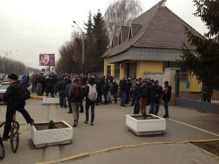 У Львові пікетували військову частину десантників