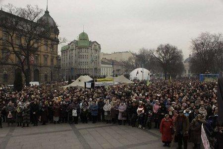 У Львові 15 тисяч людей зібрались на Євромайдані