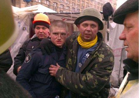 У Києві бійці внутрішніх військ готові здаватися